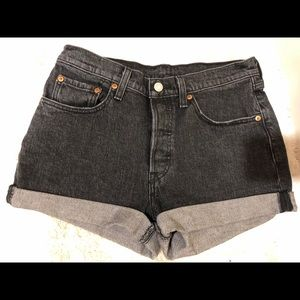 Levi 501 Cuffed Black Shorts